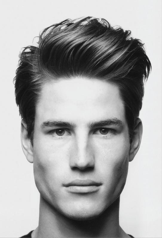 Мужская стрижка с удлиненными волосами