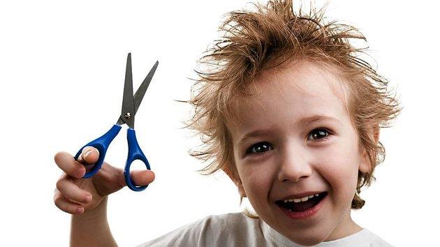 При этом появляется зуд, шелушение, волосы становятся сухими и редкими, вслед