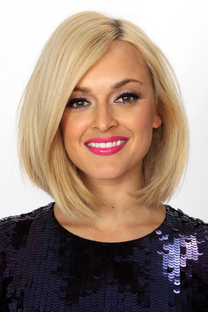 Причёски для средней длины волос каре