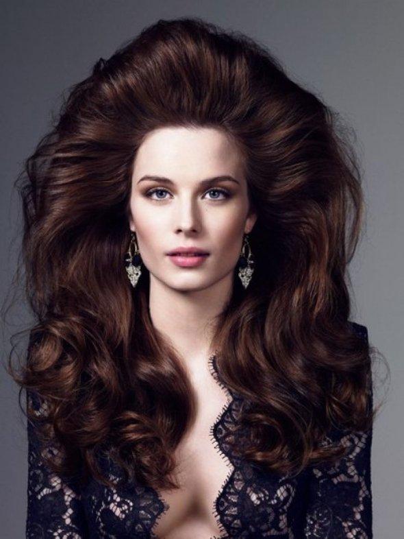 Укладка на средние волосы с начесом своими руками